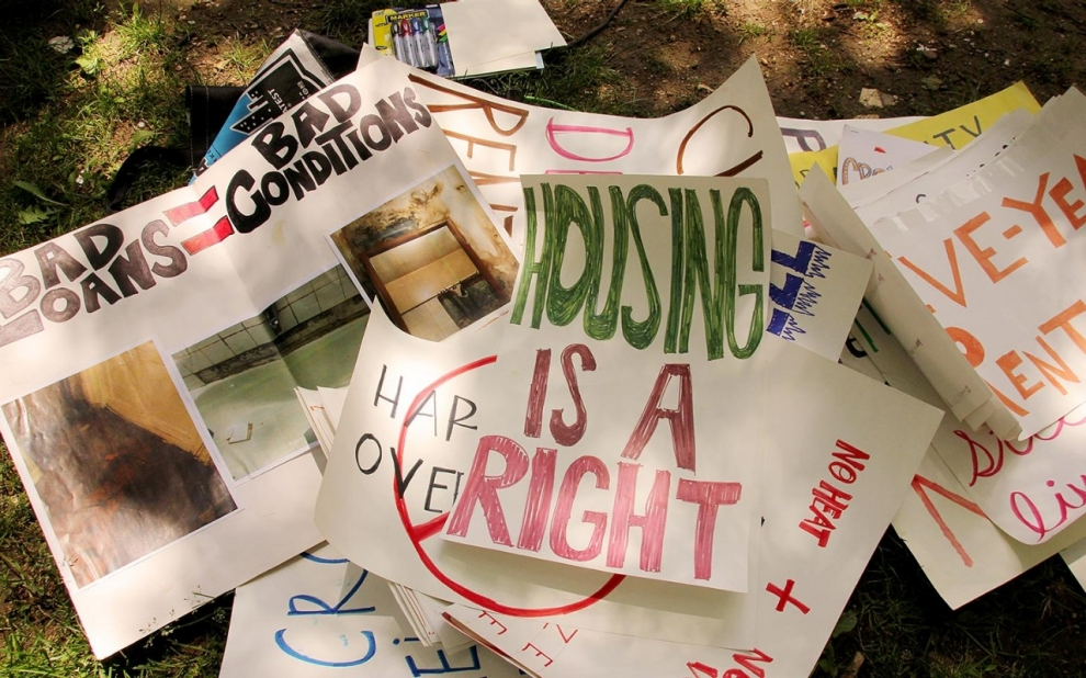 image.adapt_.990.high_.crown_heights_protest_a.1406563040184